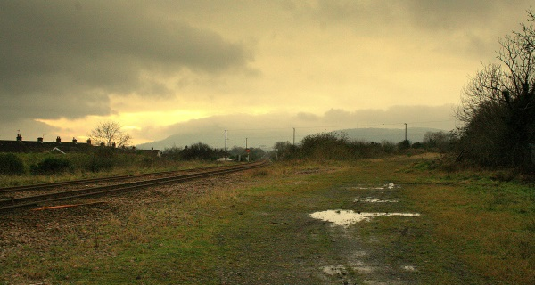 The disused 'back line' diverges from the operational Whiteabbey-Greenisland line